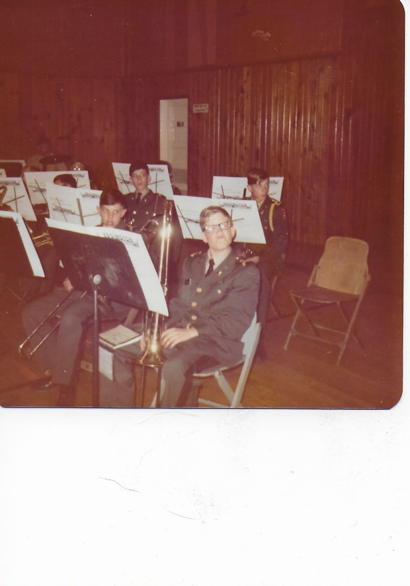 smartass-in-the-band-room-uploaded_by_clint_lee-taken_1975-2019-03-27_015903